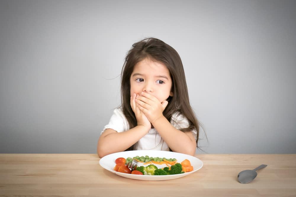 anak balita sulit untuk memakan sayuran