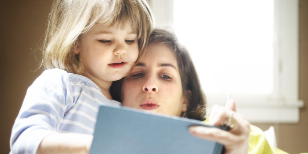 Cara mengajarkan anak membaca dengan baik